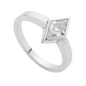 rhomboid_diamond_solitaire_ring