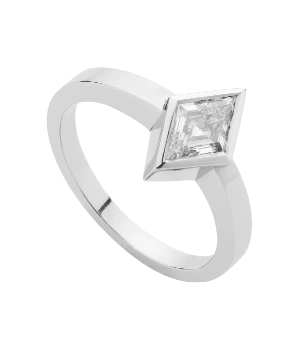 rhomboid_diamond_solitaire_ring