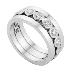 Wide_diamond_flanked_band_ring